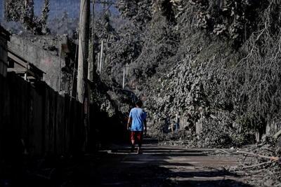Se han generado fuentes de lava de 500 metros de altura.