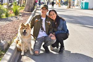 14012020 Alex, Dany y su mascota Molly.