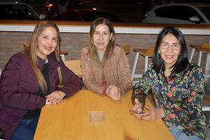 20012020 Ana, Rocío y Lily.