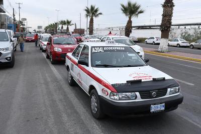 Denuncian que hay un 20 por ciento de 3,500 vehículos que se utilizan en la prestación del servicio público de taxis que no están dados de alta ante el Registro Público Vehicular.