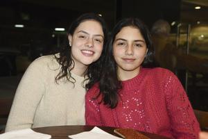 Mari Sofi y Emila Rosales