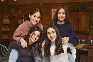 Rosetta , Camila Negrete, Camila Saldaña, Sofía Vargas