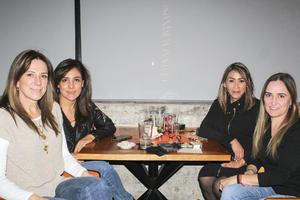 Gisela,Silvia,Mayra y Marcela.
