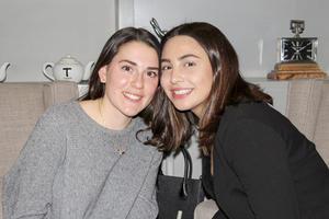 Regina y Michelle.