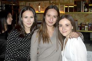 Isabela, Valeria y Ana Paula