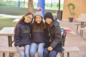 Valentína, Sofia y Aranzaa