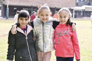 Romina,Valeria y Victoria.