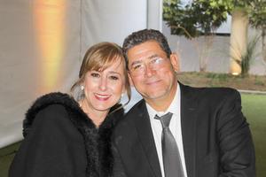 Yolanda y Raul Lugo.