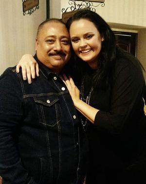 26012020 LA FOTO DEL RECUERDO.  El productor Aquiles Pámanes con la cantante internacional Shaila Dúrcal en pasado evento CDMX.
