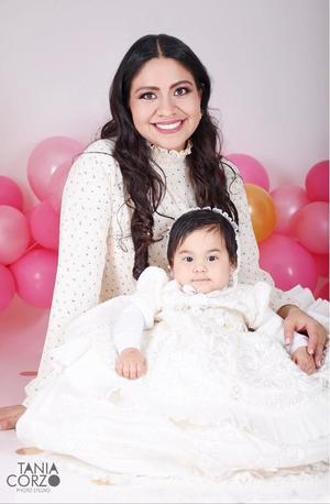 26012020 Yessica Sánchez Ramírez en compañía de su pequeña hija María Loreto Hernández Sánchez quien cumplió su primer año de vida.- Tania Corzo