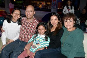 27012020 Sofía, Leonardo, Sara, Jessica y Adriana.