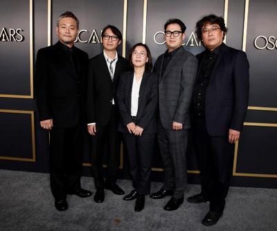 Ha-jun Lee, Yang Jin-mo, Kwak Sin-ae,  Jin Won Han y Bong Joon-ho.