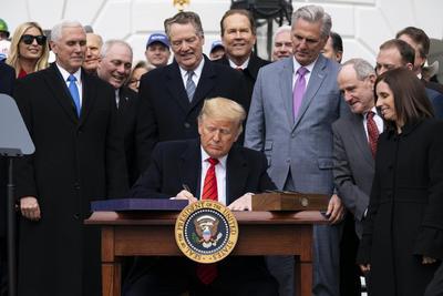 La firma permite su implementación en Estados Unidos.