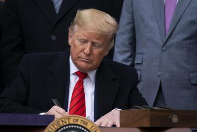 'Hoy acabamos por fin la pesadilla del TLCAN', dijo Trump.
