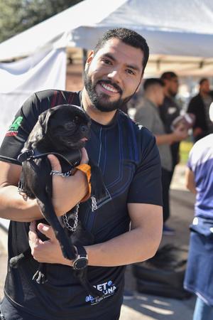 28012020 Marcio y su perrito Bruce.