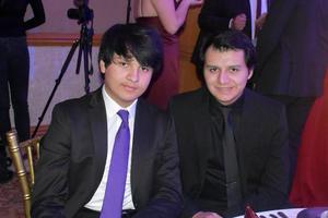 29012020 EN UNA BODA.  Aldo y Bernardo.