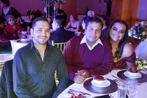 29012020 BANQUETE NUPCIAL.  Tony, Christian y Luz.