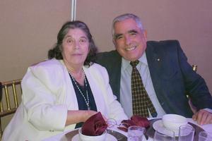 29012020 MUY CONTENTOS.  María de los Ángeles y José Luis.