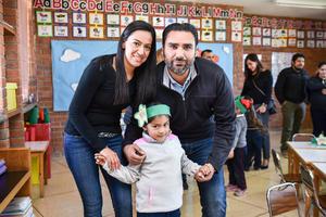 02022020 Carlos Mottú, Aracely Castañeda y Karla Isabella Mottú Castañeda.