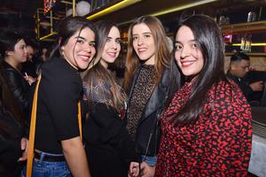 Azalea, Blanca, Carolina y Mariana