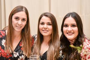 Marian, Lucia y Ana Paola.