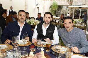 Alberto, Ernesto y Gerardo