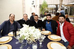 Uziel Castillo, Carlos Castillo, Charly Castillo, Jorge González Vallejo y Alejandro Reza
