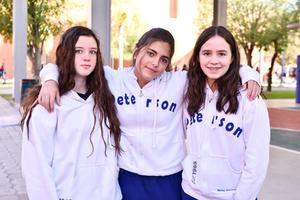 Ale, Ana y Daniela.