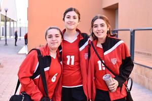 Raquel Zambrano, Regina Morales y Maura Orozco.