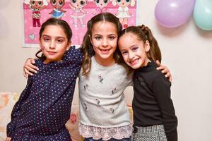 Camila,Natalia y Camila.