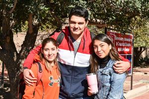 Daniela,Alberto y Katie.