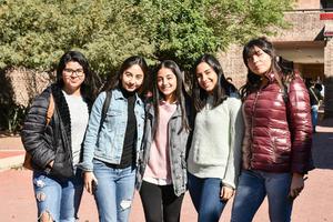 Oly, Valeria, Sofia, Daniela y Gaby.