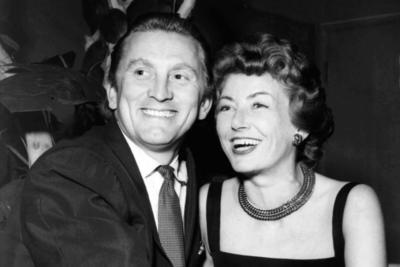 1954. Contrae matrimonio con  Anne Mars Buydens.