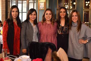 07022020 Dinora, Mariana, Valeria, Dania, y Sara.