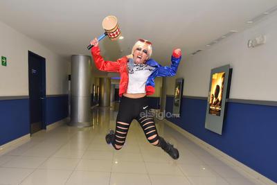 Garcia; quien canta, actúa y es productora del colectivo Proscenio Teatro, dijo en entrevista con El Siglo de Torreón que planeó acudir al complejo vestida de Harley solo para pasarla bien y de paso sorprender a las primeras personas que vieron el largometraje en su segundo día de proyecciones en la región.