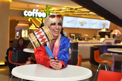 Harley Quinn es un personaje lleno de matices y que no se deja de nada ni de nadie. En lo personal me encanta y por eso me disfrace de ella. El atuendo lo conseguí en La Casita de Disfraces Torreón de la colonia Navarro, comentó.