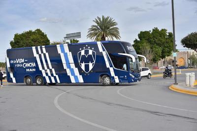 Rayados arriba a Torreón para enfrentar duelo de Copa MX ante Santos