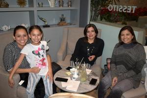 10022020 ENTRE AMIGAS.  Mónica, Isabela, Ileana y Cinthya.