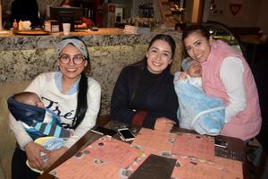 10022020 MUY CONTENTAS.  Gabriela, Mónica y Mariana.