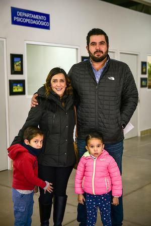 10022020 Alejandro, Perla, Iker y María José Gaucín.
