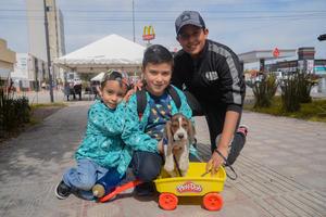 11022020 Daniel, Diego, Leonardo y su perrito Junior.