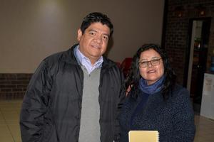 12022020 EN UNA CONFERENCIA.  Alejandro y Andrea.