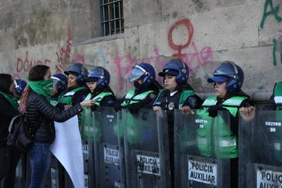 La movilización fue resguardada por efectivos de seguridad.
