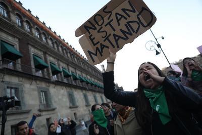 Mujeres volvieron a salir a las calles en protesta.