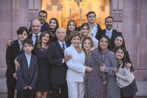15022020 UN MATRIMONIO LLENO DE AMOR.  50 años de casados celebraron Francisco Javier Barba Cortés y Patricia Elizabeth Pastrana Garza, en compañía de toda su familia.