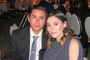Victor Gonzalez y Pia Arriaga.