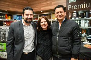 Antonio Rodriguez,Gabriela de Cervantes y Luis Felipe Cervantes.
