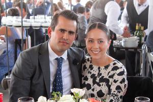 Adrian Lopez y Andrea Herrera.
