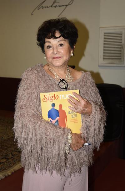 Suscriptores de El Siglo viven tarde de café con Adela Celorio