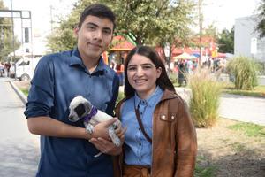 18022020 Josue, Alison y el perrito Boddy.
